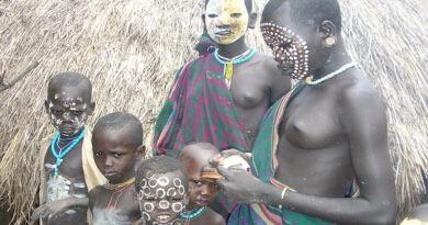 Tribu Surma et Parc National Du Gambela
